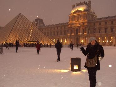Paris...Neve...Louvre